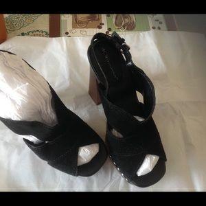 Black BCBGeneration shoes in good shape 🎉💓